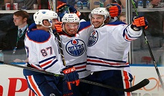 CANUCKS_OILERS_20_slide
